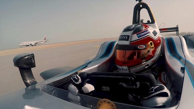 «Формула Е» представила болид, который почти уделал в скорости самолет