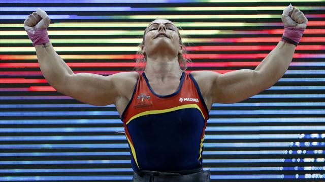 Lydia Valentín arrasa en el Mundial de halterofilia, con dos medalla de oro y una de bronce