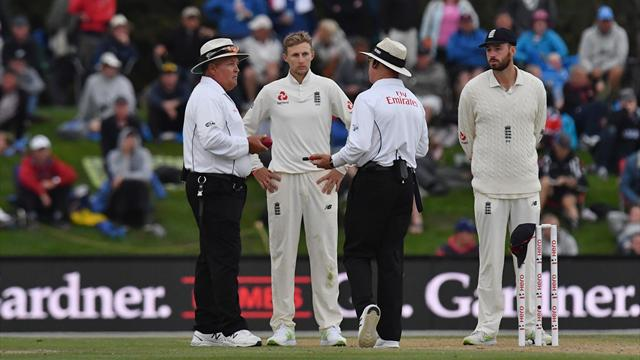 Bad light hinders England bid for Christchurch win
