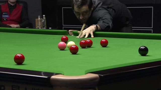 Ronnie O'Sullivan makes brilliant 147, earns hug from referee