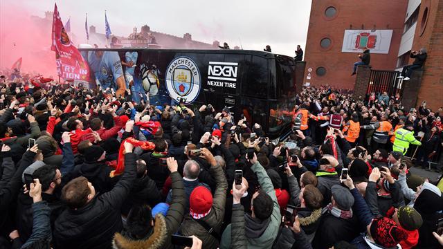 Le bus de Manchester City visé par des projectiles