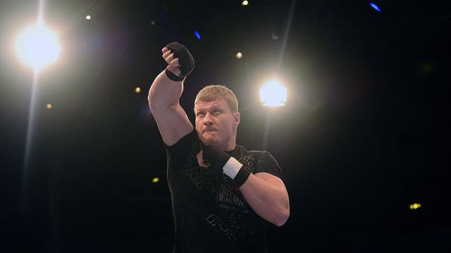 Хантер победил Кузьмина и вызвал на бой Поветкина