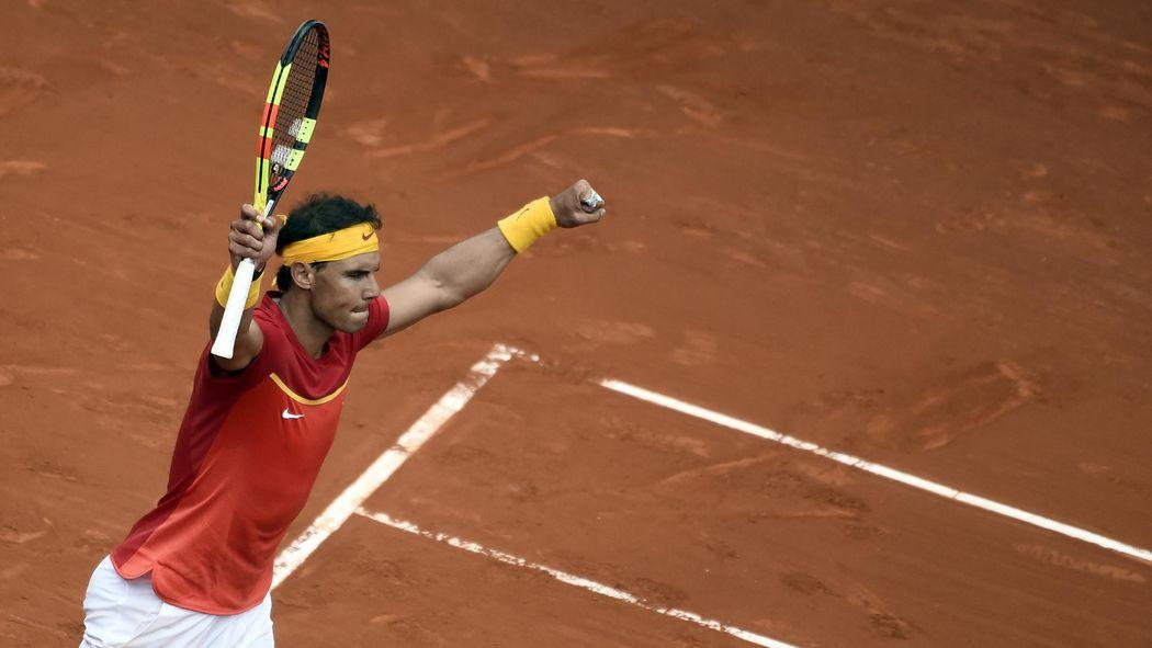 Davis Cup Rafael Nadal Schlagt Alexander Zverev Im Top Duell