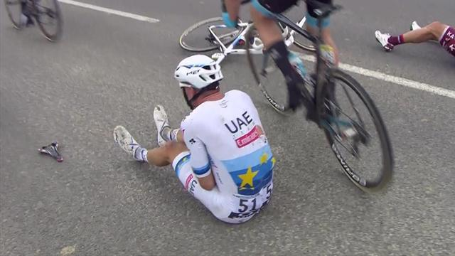 'Kristoff, Martin, Rowe... all on the ground!' - Peloton rocked by big crash