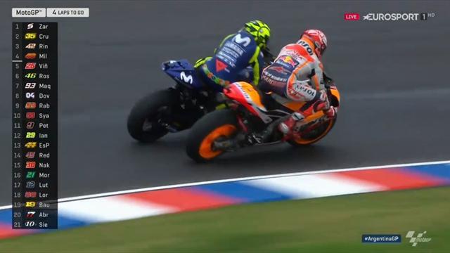 Weltmeister außer Kontrolle! Márquez schießt Rossi ab