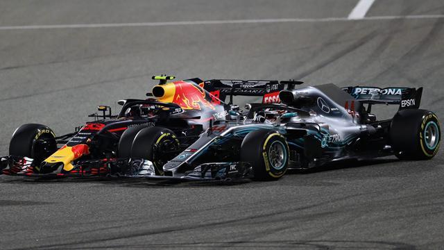 """Verstappen: """"Non cambierò il mio stile di guida. Hamilton? Semplice dare la colpa al più giovane"""""""