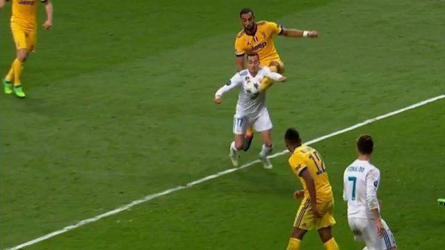 Benatia: 'Rigore assurdo, ho preso la palla. L'anno scorso al Bayern...'