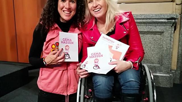 Gema Hassen Bey, madrina de las muñecas solidarias de la Carrera de la Mujer