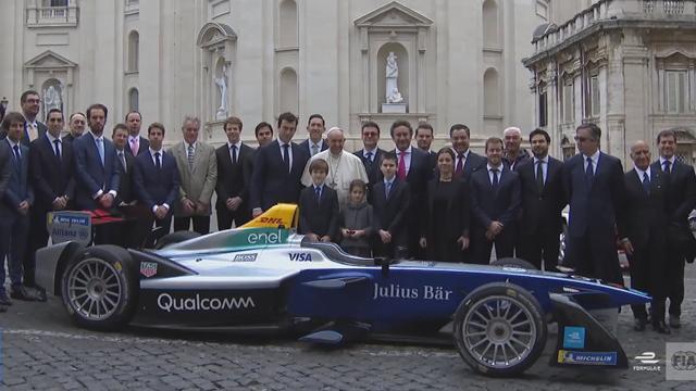Paus zegent nieuwe Formule E wagen