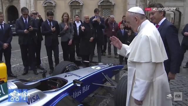 Et là, le Pape est venu bénir les monoplaces de l'ePrix