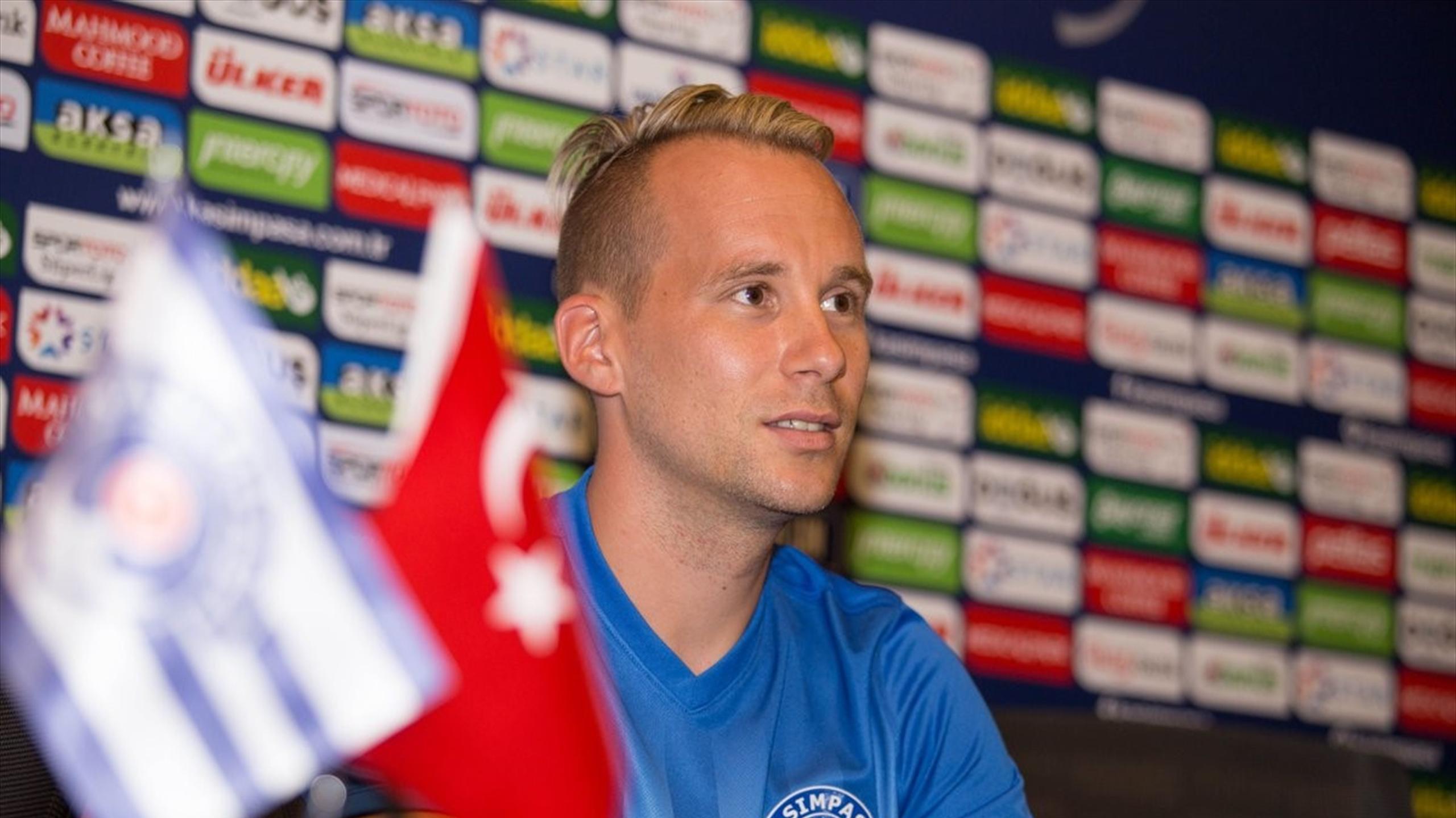 Markus Martin Neumayr - Esteghlal