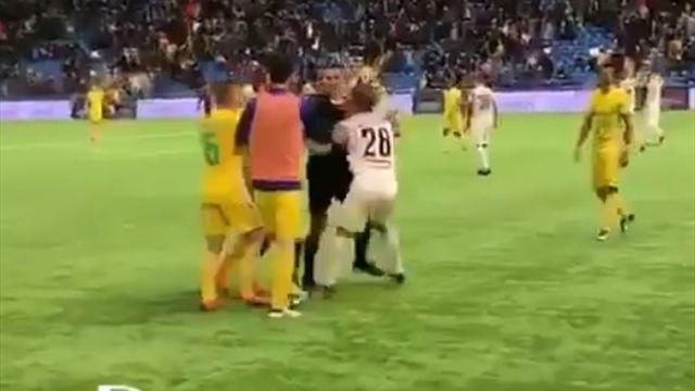 «Бей, Андрей, бей!» Аршавин спровоцировал потасовку в матче чемпионата Казахстана