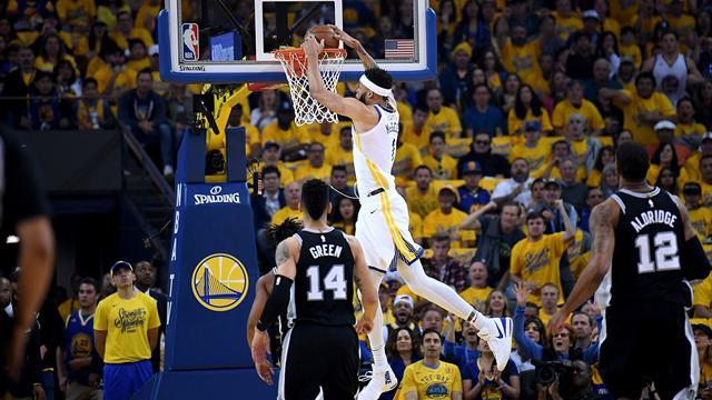 Les Warriors sans pitié pour les Spurs