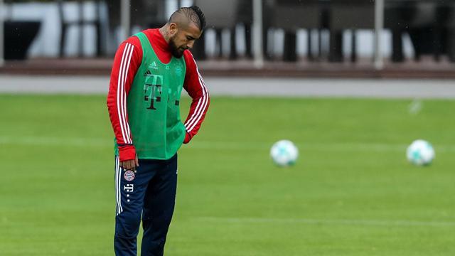 Arturo Vidal pasará por el quirófano y está casi descartado para jugar ante el Madrid en Champions