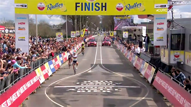 Volata vincente di Chantal Blaak, l'iride splende all'Amstel Gold Race