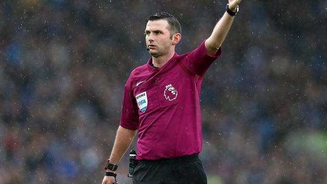 Referees' group condemns abuse directed at Michael Oliver and his wife
