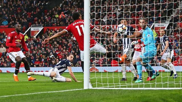 El United se estrella ante el colista y el City se proclama campeón