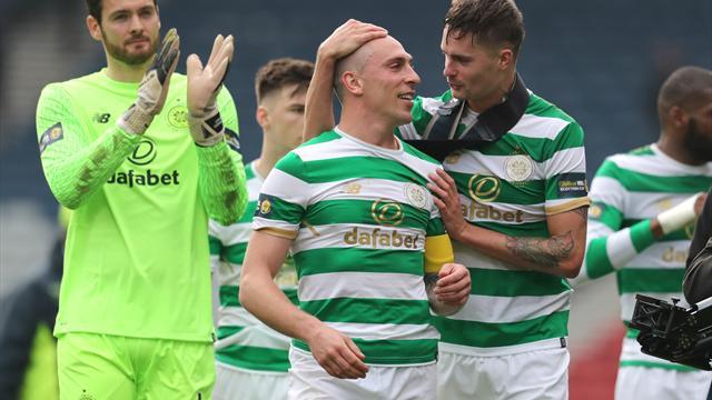 Craig Gordon happy to contribute as Celtic hammer Rangers