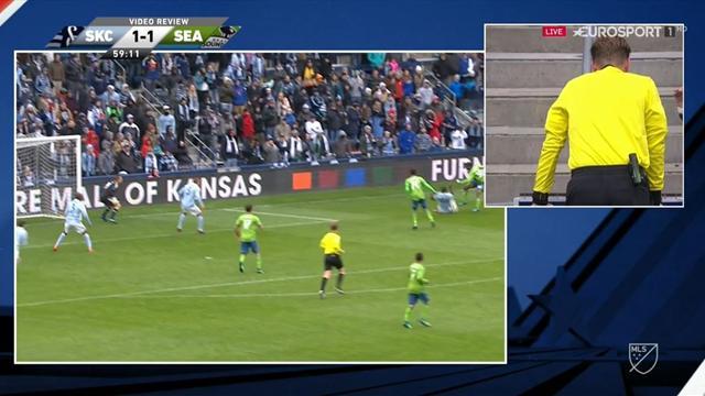 MLS: El árbitro concede un penalti y lo anula con ayuda del VAR
