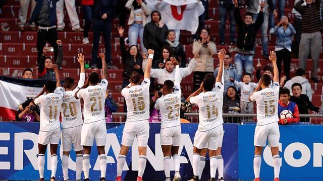 Liga de Quito queda a un punto del líder del fútbol en Ecuador