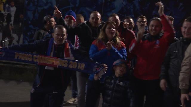 Les fans parisiens fêtent le 7e titre de champion de France du PSG !