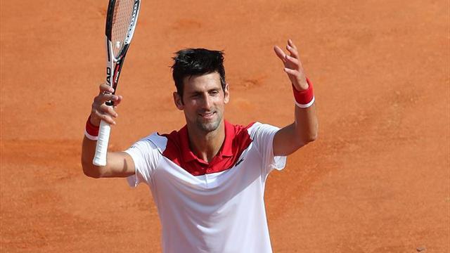 Djokovic y Nishikori debutan con victoria en tierra