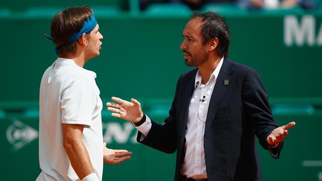 """""""Was tust du hier eigentlich?"""" Heftiger Streit während Masters-Match"""