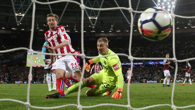Hart's World Cup place in doubt after blunder
