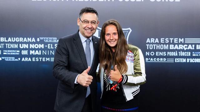 Касаткина прилетела на матч «Барселона» – «Валенсия» и сфоткалась с Бартомеу