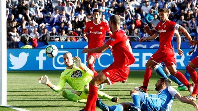 0-0. Los porteros y el poste dejan a Dépor y Sevilla sin lo que buscaban
