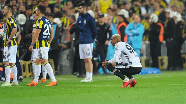 Gunes ferito alla testa: sospesa Fenerbahce-Besiktas