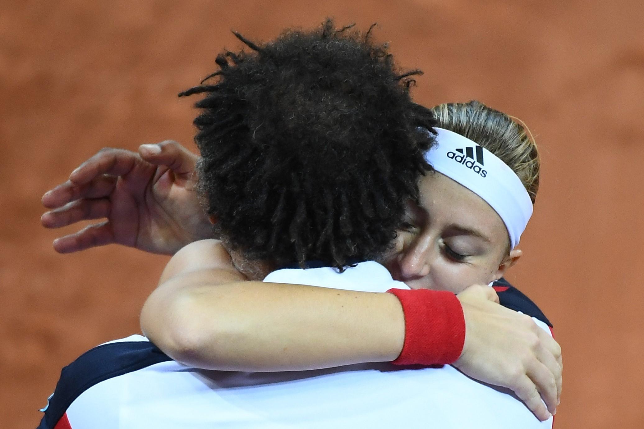 Yannick Noah et Kristina Mladenovic lors de France / Etats-Unis en Fed Cup