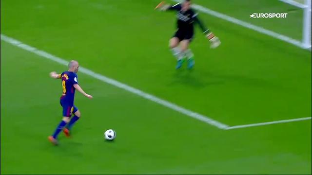 Iniesta-gol: ennesima magia per l'ultimo Imperatore del calcio