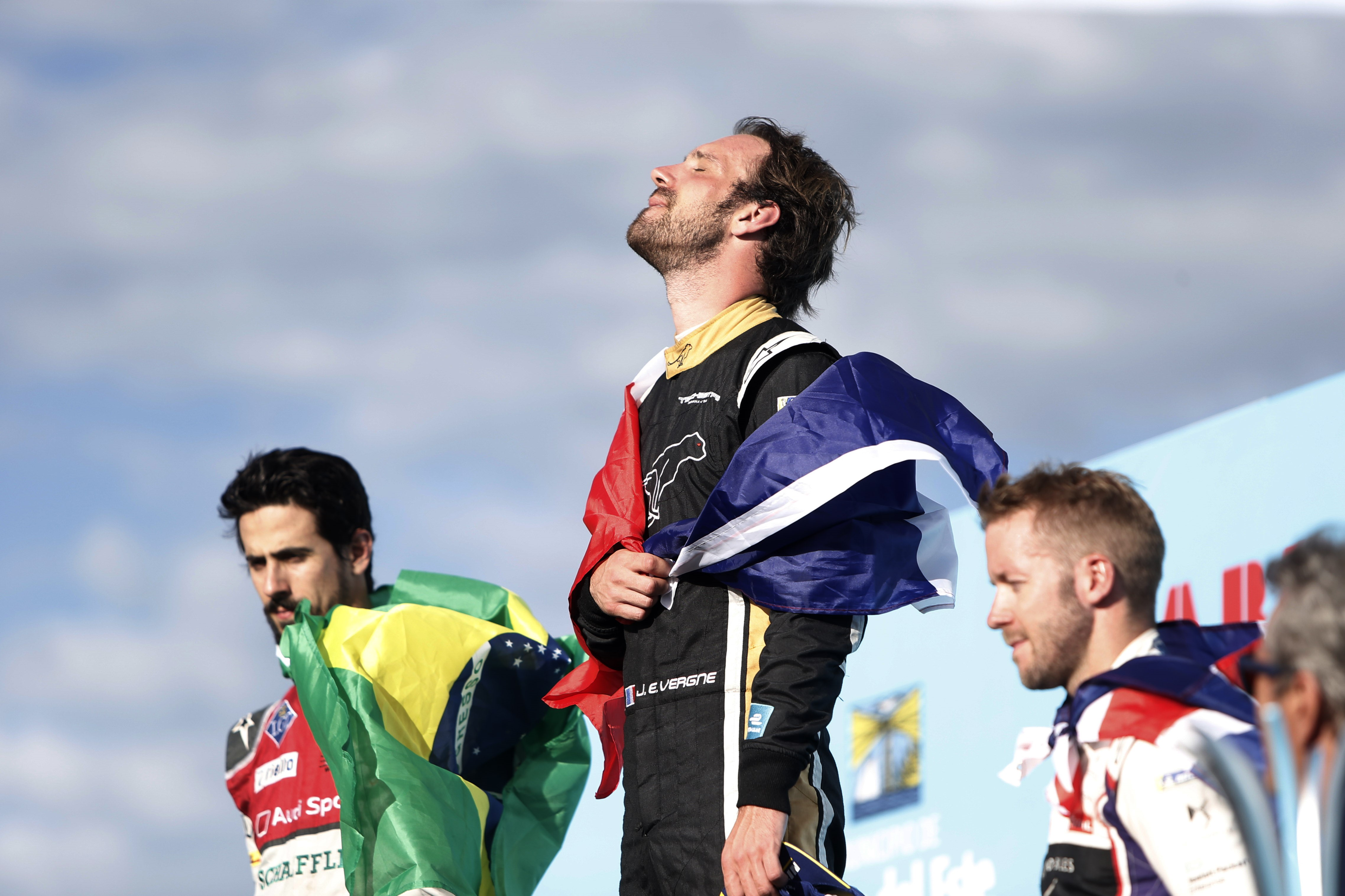 FE - Vergne signe la pole à Paris
