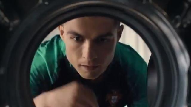Крутой тизер апдейта FIFA 18, в котором Роналду стирает форму и готовится уничтожить все живое на ЧМ