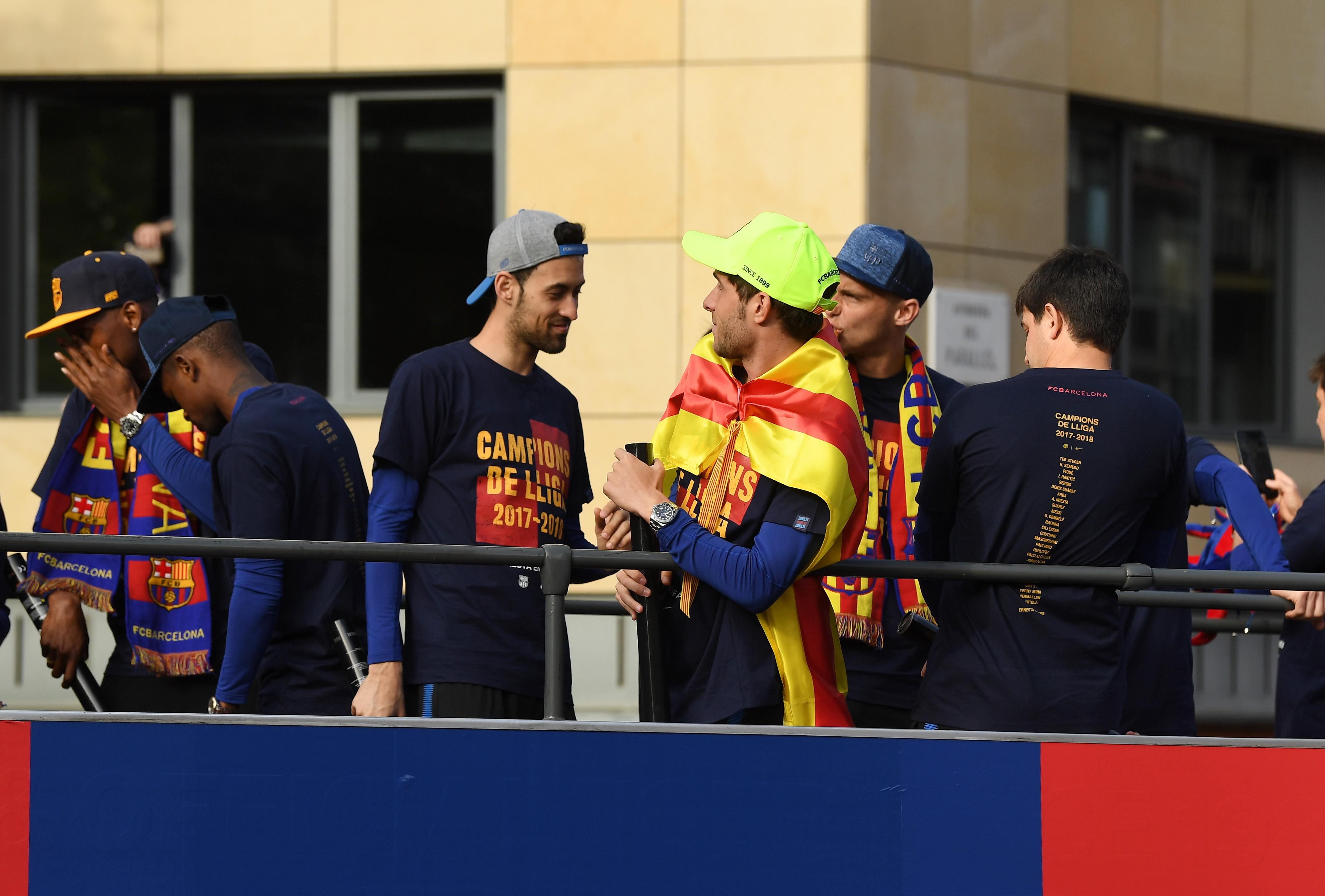 «Барса» внесла фамилии Деулофеу, Маскерано и Турана на футболки