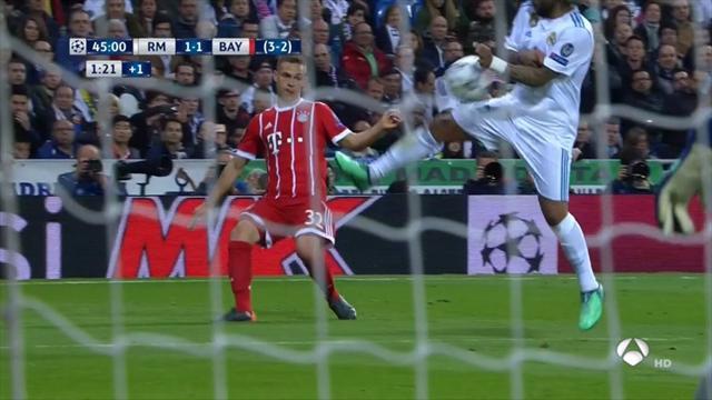 Main ou pas main de Marcelo dans la surface ? Pour l'arbitre, c'était non