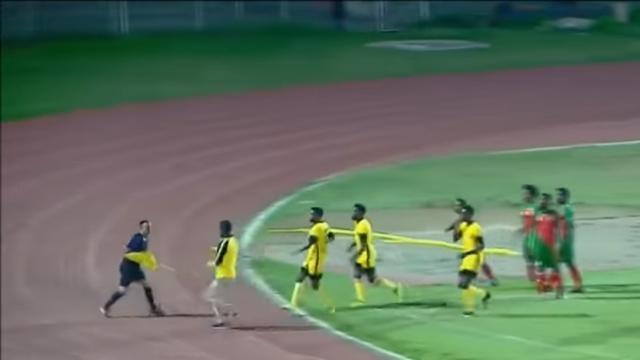 Игроки иперсонал эфиопского клуба скулаками набросились наарбитра