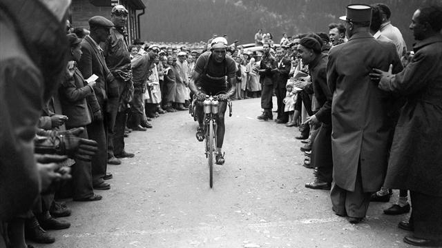 I giorni in cui Gino Bartali salvò l'Italia e si prese il Tour