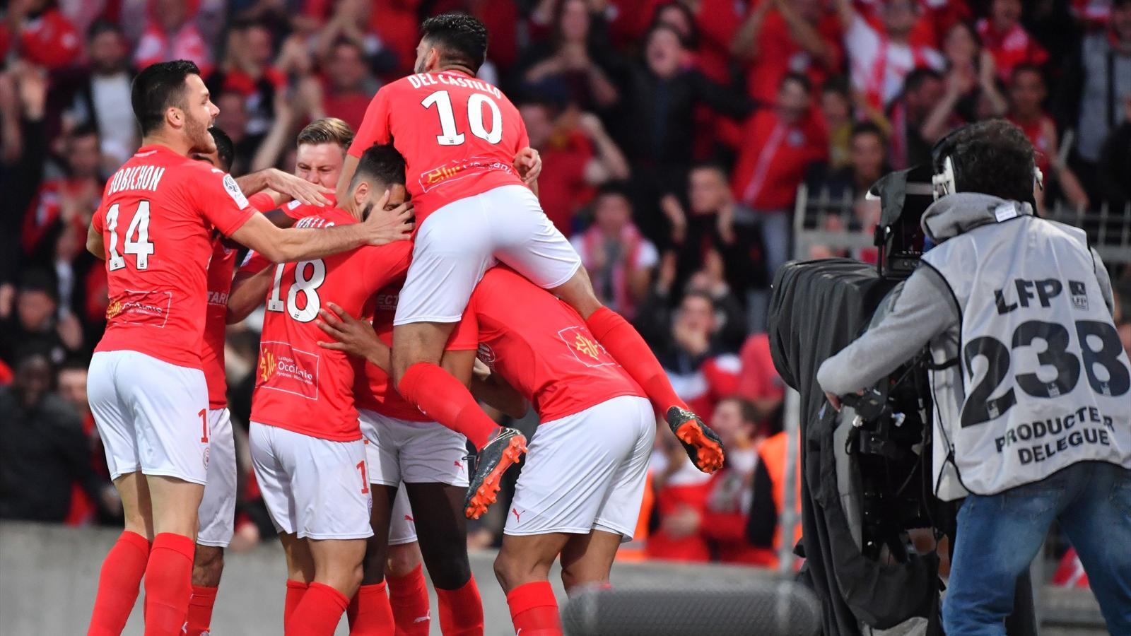 Nîmes Promu En Ligue 1 Ligue 2 2017 2018 Football Eurosport