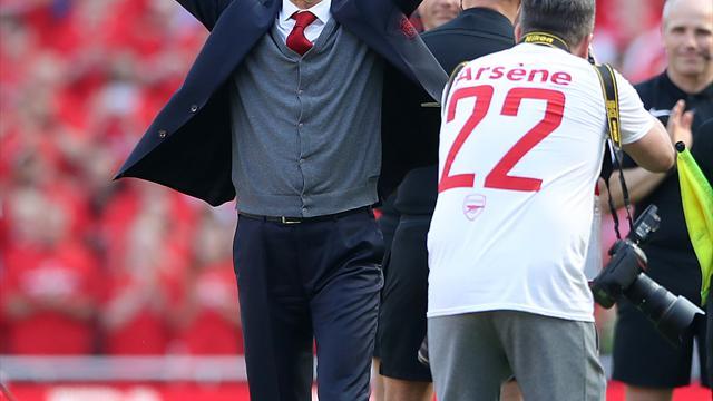 Arsenal award departing manager Arsene Wenger golden 'Invincibles' trophy