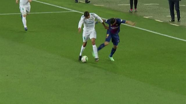 Ce que Messi aurait dit à l'arbitre lors de la Clasico — Barça