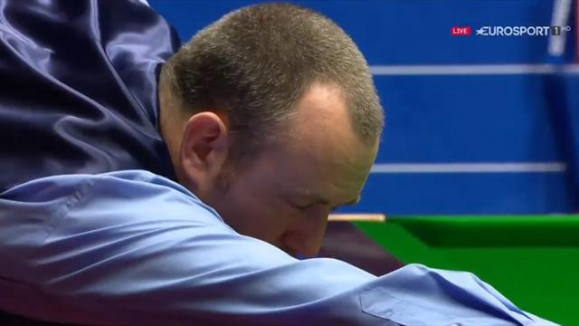 Williams potting balls with eyes closed