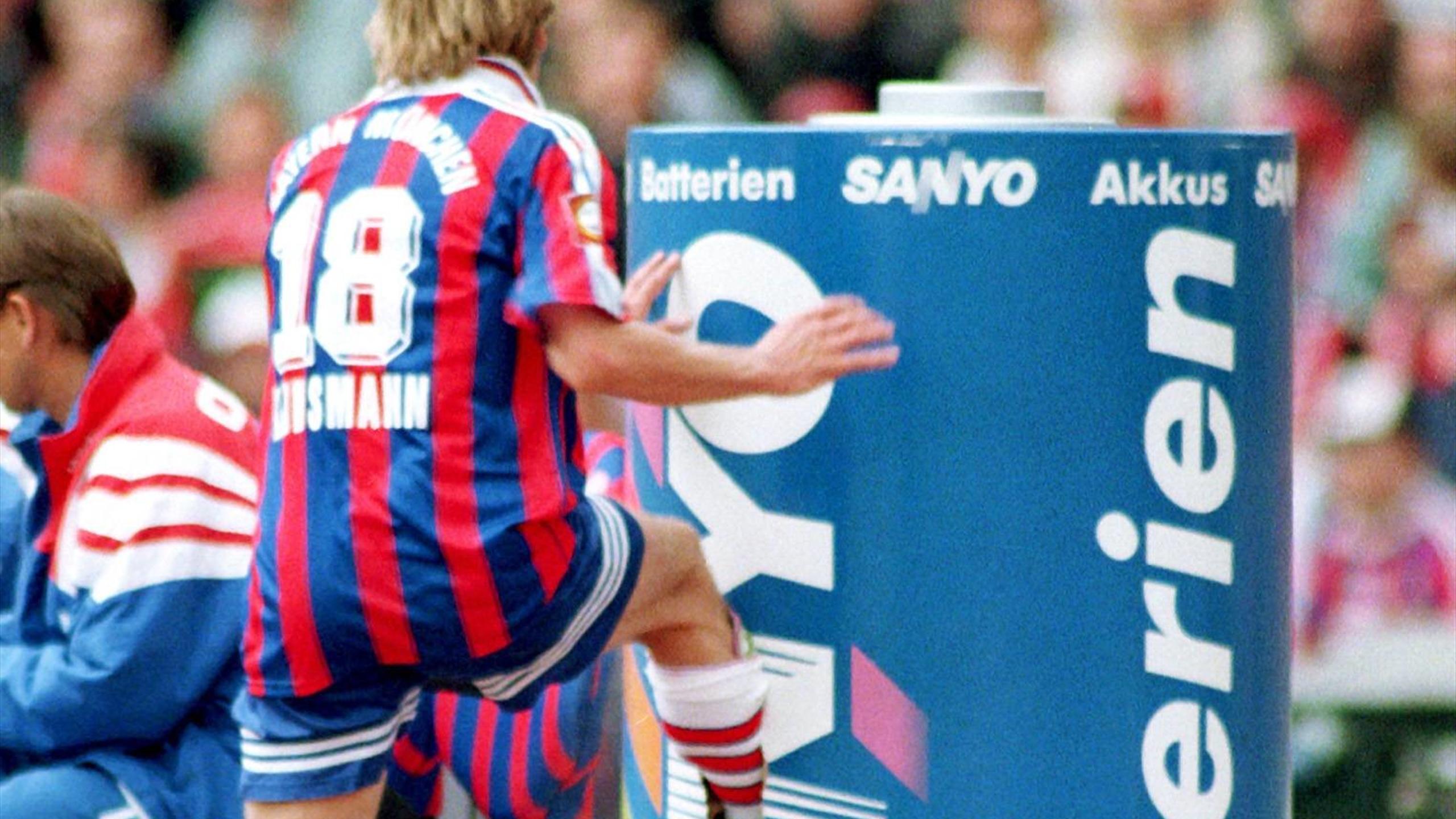 Kein Tag Wie Jeder Andere Jurgen Klinsmanns Tritt Gegen Die Werbetonne Eurosport