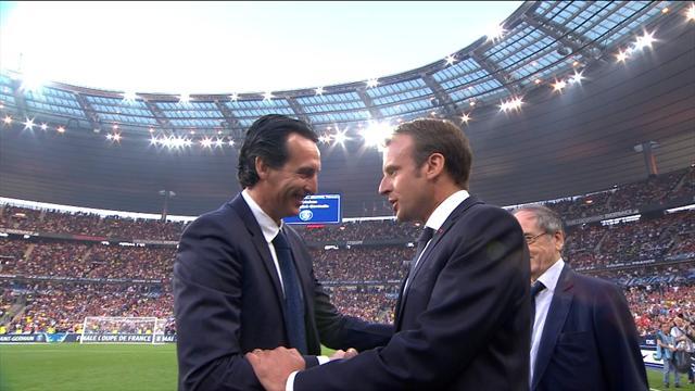 «Bravo pour cette saison» : Macron a félicité Emery et le PSG avant le match