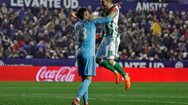 Guardado y Layún se enfrentan por boleto a competencias europeas
