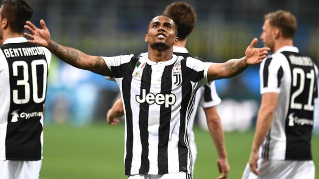 Ufficiale: la Juventus ha riscattato Douglas Costa