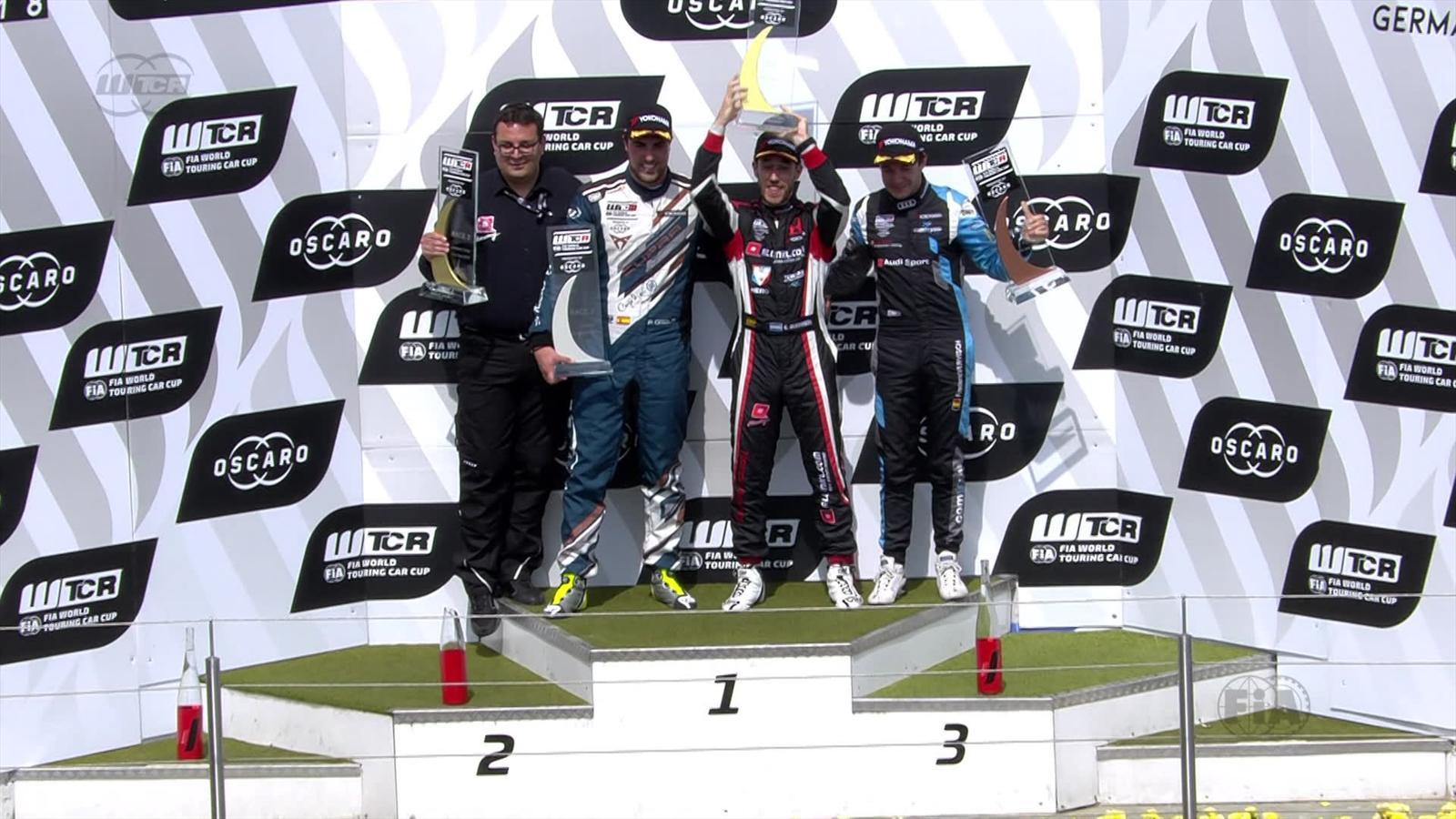 b300de9296477 VIDEO - FIA WTCR Alemania  El momentazo de Pepe Oriola en el podio -  Nürburgring - Video Eurosport Espana