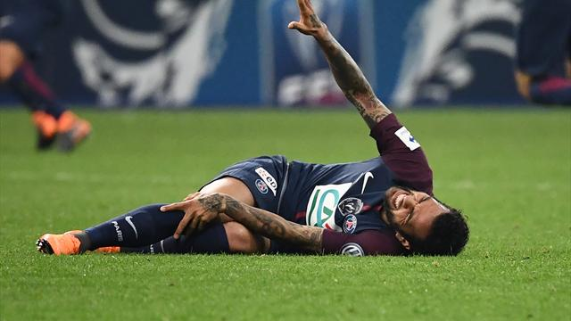 Alves returns to PSG training for first time in six months