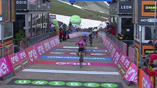 Как паренек в розовой майке обхитрил всех на финише в гору и укрепил преимущество в классификации